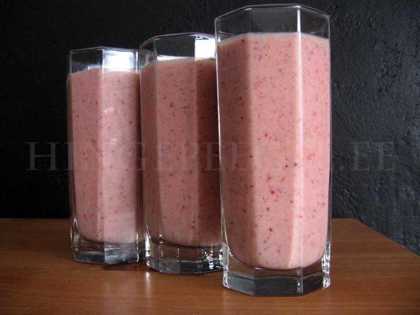 Kanepi-maasikasmuuti